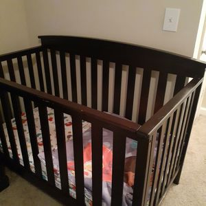 Changing Table And Baby Crib for Sale in Lithia Springs, GA