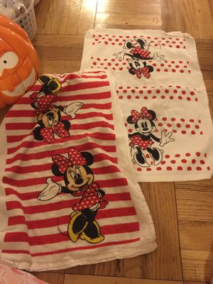 Disney Minnie Mouse kitchen towels for Sale in Los Angeles, CA