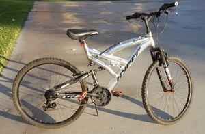 Hyper mountain bike size 26 like new for Sale in Las Vegas, NV