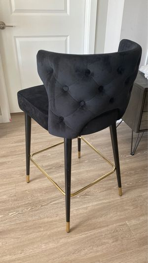 New velvet high chair bar stool Kelly chic for Sale in Hallandale Beach, FL