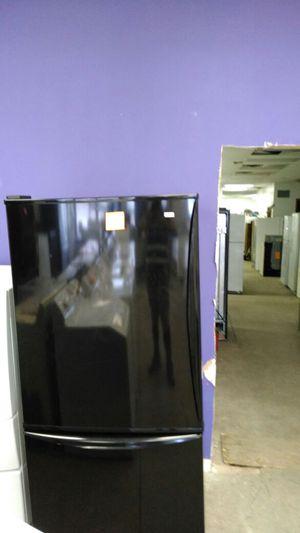 Kenmore elite refrigerator (black) for Sale in Cleveland, OH