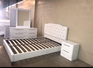 Queen Size Bed with Dresser, Mirror, and Nightstand. $40 Down No Credit Check financing available. for Sale in Hialeah, FL