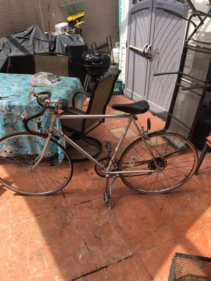 Vintage 1971 Schwinn LaTour 10 Speed Made in Chicago this is a great bike made in the USA. Needs to be restored once restored it will have a lot of v for Sale in Pembroke Pines, FL