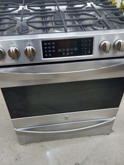 Kenmore Slide In Stove Stainless Steel for Sale in Long Beach,  CA