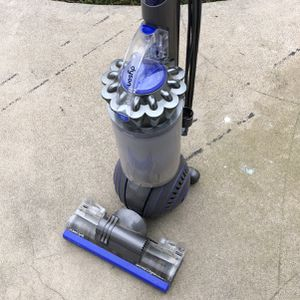 Dyson Animal Ball Vacuum for Sale in Turlock, CA