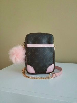 Louis Vuitton Danube Crossbody for Sale in Raleigh, NC