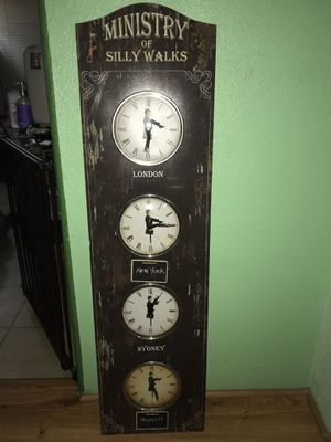 Antique world wall clock for Sale in Tucson, AZ