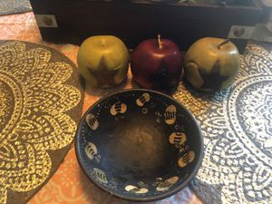 Primitive bowl with apples for Sale in Greencastle, PA