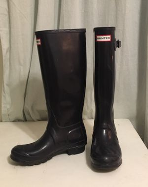 Size 6 Hunter Boots Plum for Sale in Arlington, VA