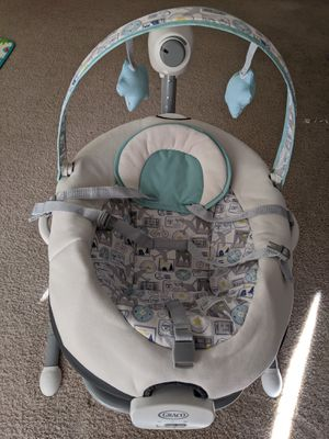 Graco Baby Swing with Portable Rocker for Sale in Westborough, MA