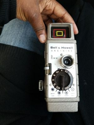 Bell and howell one nine 8mm for Sale in Tempe, AZ
