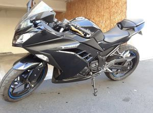 2013 Kawasaki Ninja 300 Motorcycle Sport Bike 13k miles! Need Gone TOMORROW! for Sale in Anaheim, CA