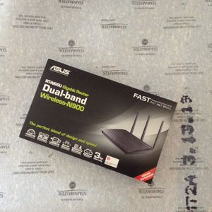 *LOW PRICE MOVING* $160 RETAIL ASUS DAUL ROUTER for Sale in Seattle, WA