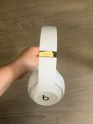 Beats Studio3 Wireless Headphones for Sale in San Diego, CA