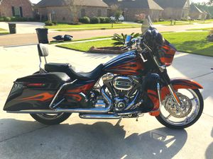 *LIMITED EDITION* HARLEY DAVIDSON CVO STREET GLIDE for Sale in GREENWEL SPGS, LA