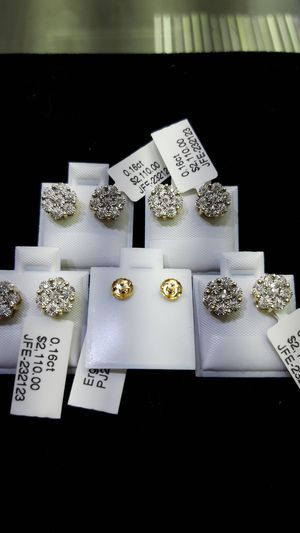 14k gold flower diamond earrings $650 each today special for Sale in Los Angeles, CA