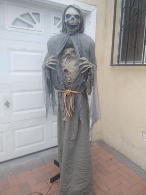 Halloween Decoration Animated Life Size Reaper for Sale in Gardena, CA
