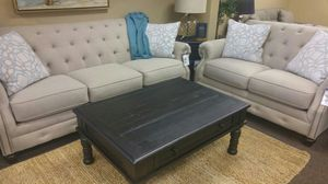 BEAUTIFUL SOFA AND LOVESEAT SET for Sale in Portland, OR