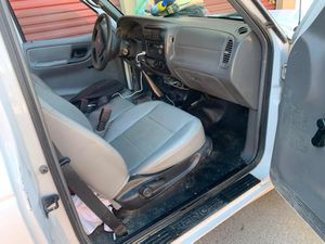 Good condition Ford ranger 05 good AC (702) 286-7010 speak Spanish an English for Sale in Las Vegas, NV