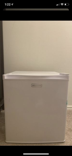 Mini fridge- selling for best offer for Sale in Fairfax, VA
