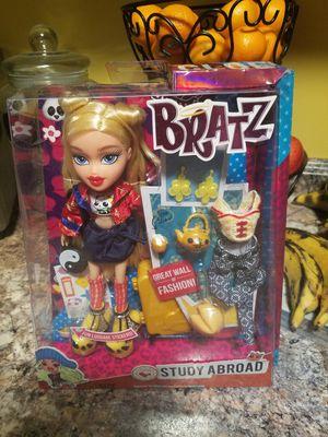 Bratz dolls bundle for Sale in Columbus, OH