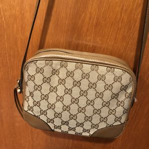 Gucci Hand Bag And Crossbody for Sale in Bloomfield Hills, MI