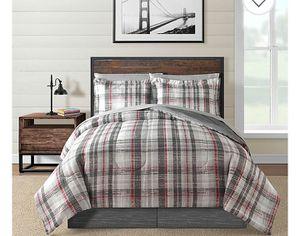 Plaid reversible queen comforter set for Sale in Milton, FL