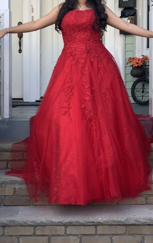 Vestido rojo para quinceañera. Red dress for quinceanera. with adjustable corset for Sale in Passaic, NJ