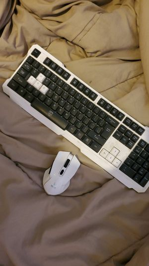 Wireless mouse and keyboard set for Sale in Phoenix, AZ