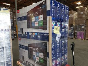 """75"""" Tcl uhd 4k roku TV for Sale in Long Beach, CA"""