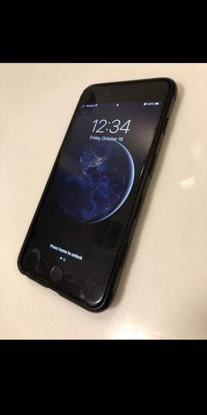 IPhone 8 PLUS/64GB for Sale in Charlotte, NC
