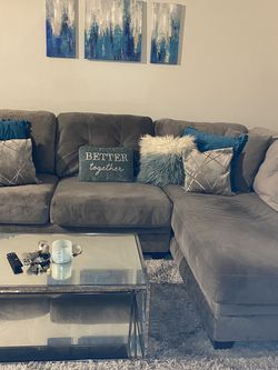 American Signature Sectional - Grey for Sale in Orlando,  FL
