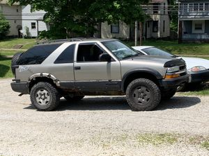 2002 Chevy Blazer 2D for Sale in Canton, OH