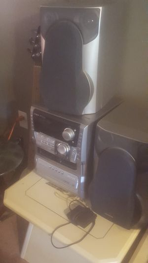 AIWA 5 DISK CD STEREO SYSTEMS for Sale in Glenarden, MD