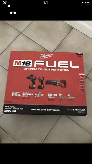 MILWAUKEE M18 FUEL 18 -VOLT LITHIUM-LON BRUSHLESS CORDLESS COMBO KIT (3-tool) w/(2) 5AH BATERÍA CHARGER & TOOL BAG OFERTA ESPECIAL NUEVO DE PAQUETE for Sale in Miami, FL