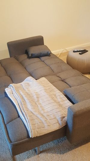 2 seat couch for Sale in Rockville, MD