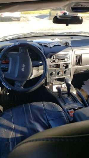 2004 Jeep Grand Cherokee special edition for Sale in Newport News, VA