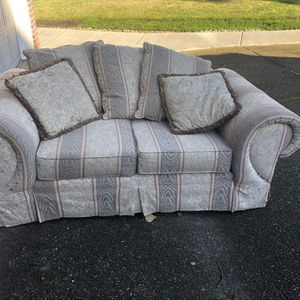 Couch And Love Seat Set for Sale in Happy Valley, OR