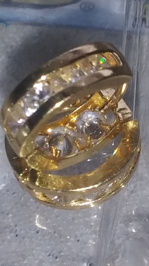 1.33 carat Channel earrings woman luxury expensive yellow karat gold 14 for Sale in Stone Mountain, GA