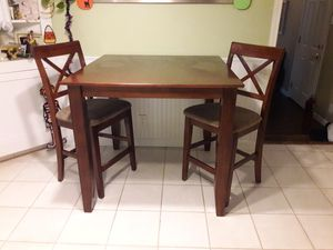Bistro style kitchen dining table and two chairs for Sale in Redmond, WA