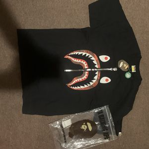 Bape Color Camo Shark T-Shirt Size XL for Sale in Los Angeles, CA