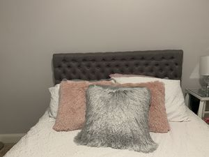 Grey tufted headboard for Sale in Hurricane, WV