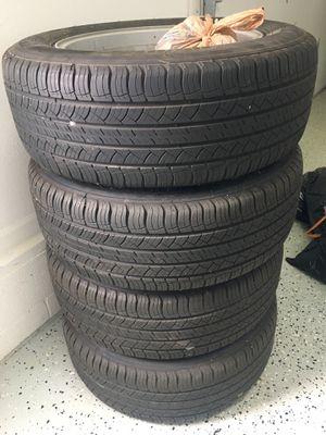 Michelin Latitude Tour HP Tire: P235/65R18 for Sale in Grosse Ile Township, MI