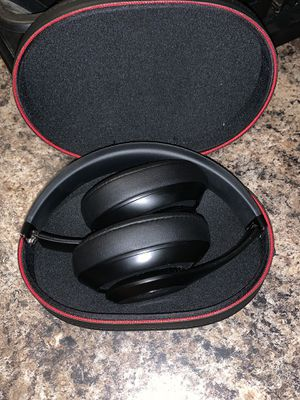 Beats studio 3 wireless for Sale in Georgetown, KY