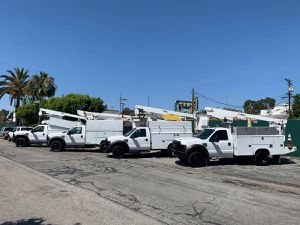 (4) 2008 Ford F-450 36' and 43' Bucket Truck Basket Truck Boom Lift Utility F550 for Sale in Long Beach, CA