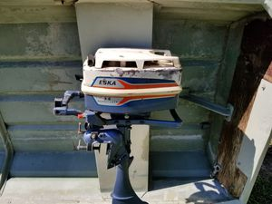 3.5 HP OUTBOARD MOTOR 2 STROKE NO TITLE NO BOAT NO TRAILER MOTOR ONLY for Sale in Dallas, TX