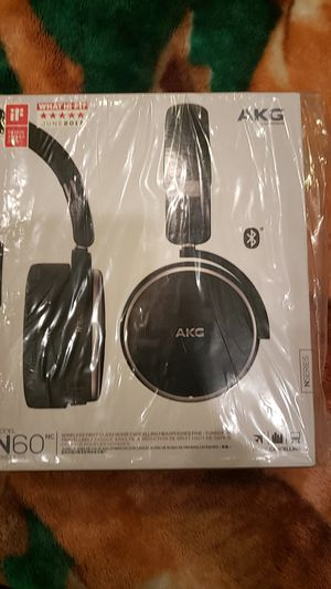 Wireless Headphones,,closed box,trade w/ iphone for Sale in Los Angeles, CA