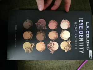 NEW LA colours makeup pallet for Sale in Queens, NY