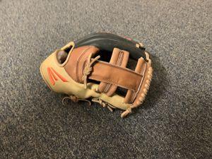 Infield baseball glove for Sale in San Jose, CA