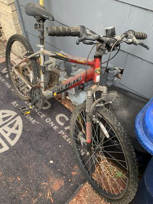 Awesome mountain bike just needs love 40 bucks for Sale in Grosse Pointe Park, MI